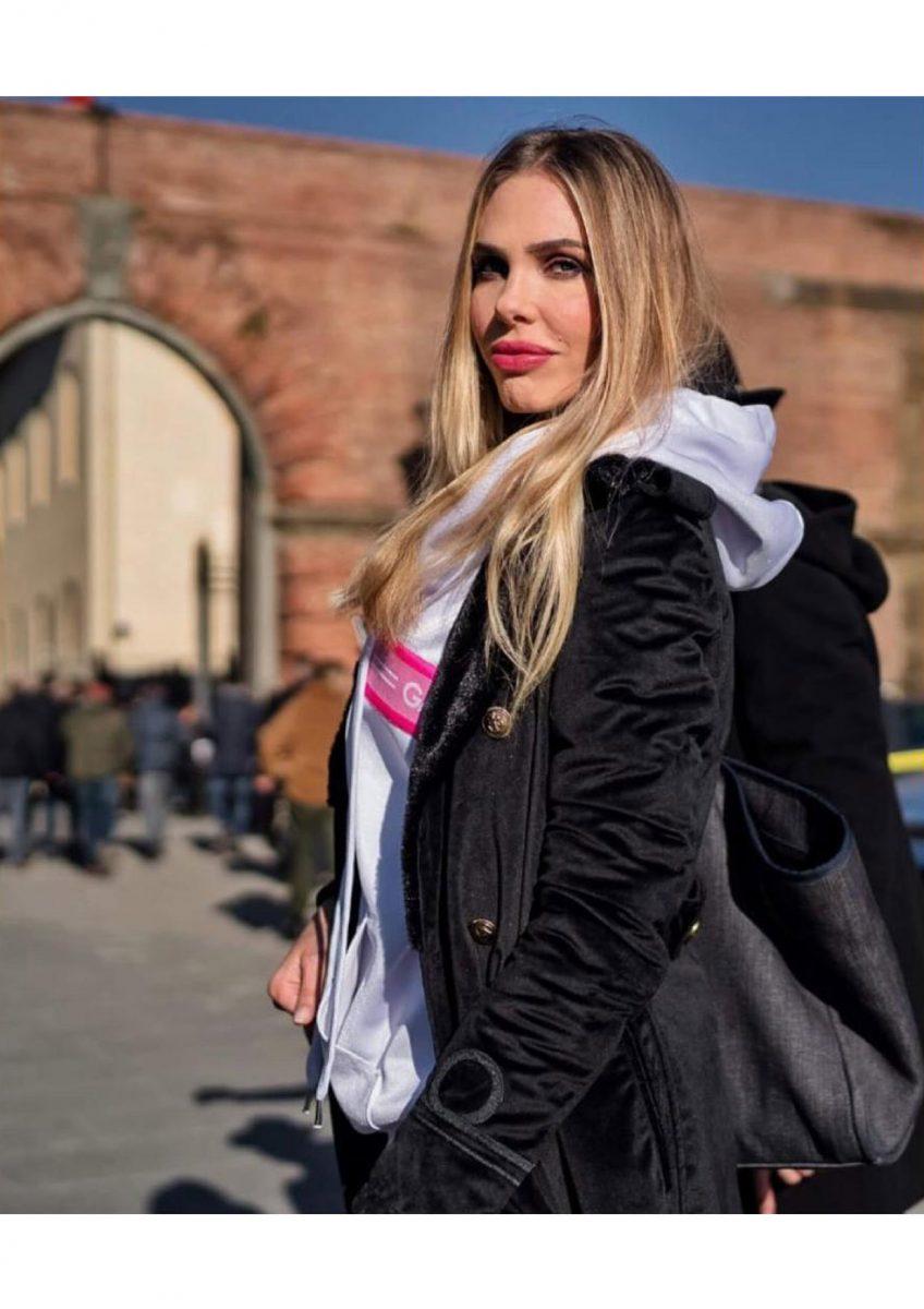 Ilary Blasi - Velvet Coat - Pitti Gennaio 2019